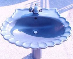 Waschbecken, Handwaschbecken, mit Fuß