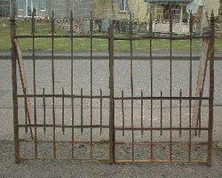 2-Flügelig, Tor, Schmiedeeisentor, Zaun, Einfahrtstor, Gitter, Tür mit geschmidetenspitzen