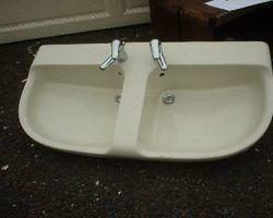 Handwaschbecken Waschbecken mit Armatur