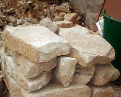 Sandstein Steine Natursteine Mauer Trockenmauer Sandsteinqader Sandsteinblöcke Bruchstein Mauerwerk