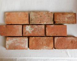 Boden Ziegel Platten Fliesen Weinkeller Antike Backsteine Terracotta rustikal Landhaus