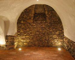 Antik Boden Ziegel Platten Fliesen Weinkeller alte Mauer Back Steine Terracotta französischer Style